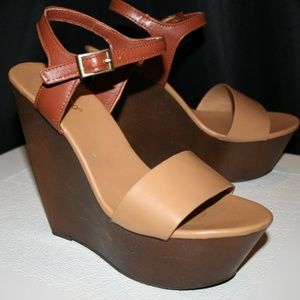 Bamboo Platform Wedge Strappy Sandal Heel Size 7.5